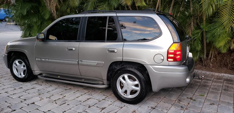 2002 GMC  ENVOY SLT