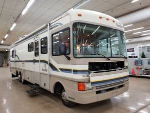 1997 Fleetwood Advantage AX6 Bounder 34V