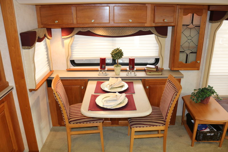 2004 Country Coach Intrigue Ovation