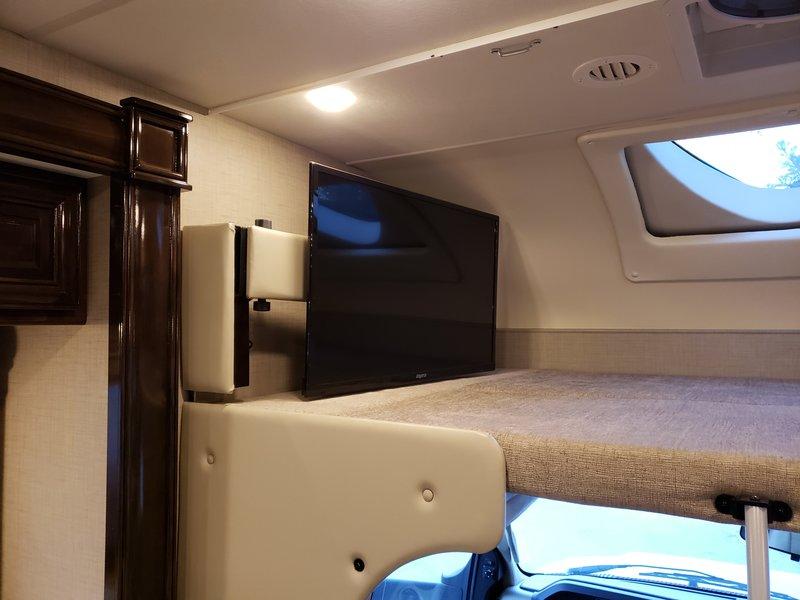 2018 Thor Motor Coach Quantum LF31