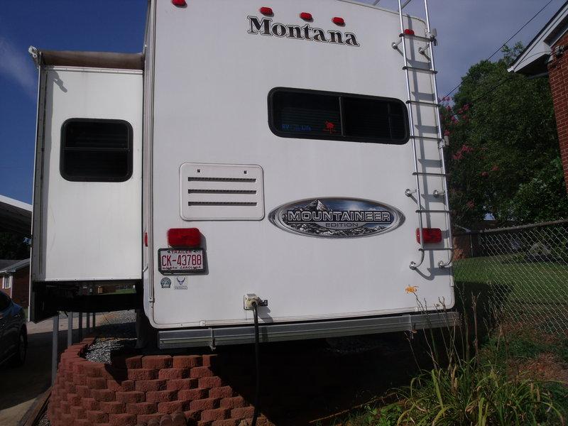 2010 Keystone Montana Mountaineer 295RKD